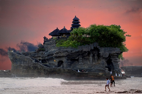 Bali Photo cred https://www.flickr.com/photos/fabiogis50/4722105665
