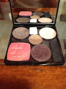 My final product! 6 eyeshadows, one blush AND a mirror!