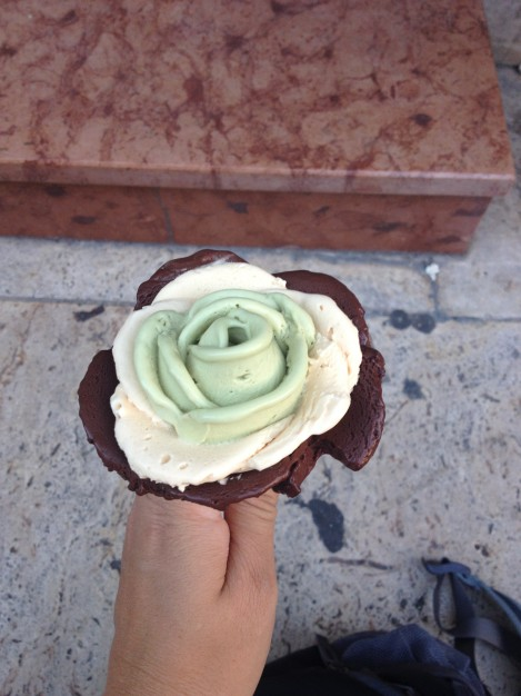 Gelarto Rosa has amazing gelato- I had pistachio, (don't remember the white one), and spicy chocolate