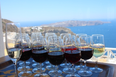 18 Santo Wines with a fantastic caldera view
