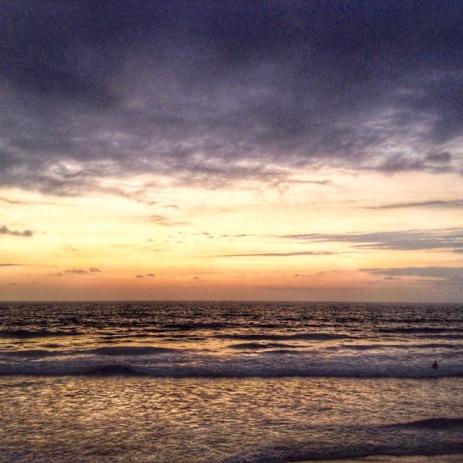 1st sunset in Montanita