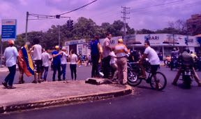 protests block intersections