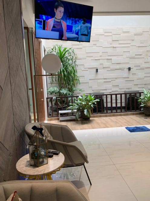 Ezmo dentist waiting area